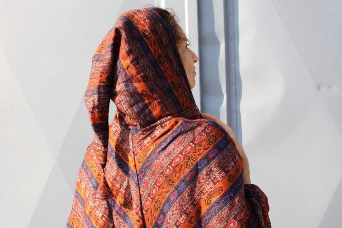 Warmer Poncho mit Zipfelkapuze Damen Orange